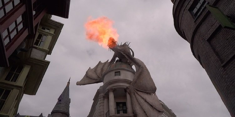 Closer Look at Universal's Diagon Alley!