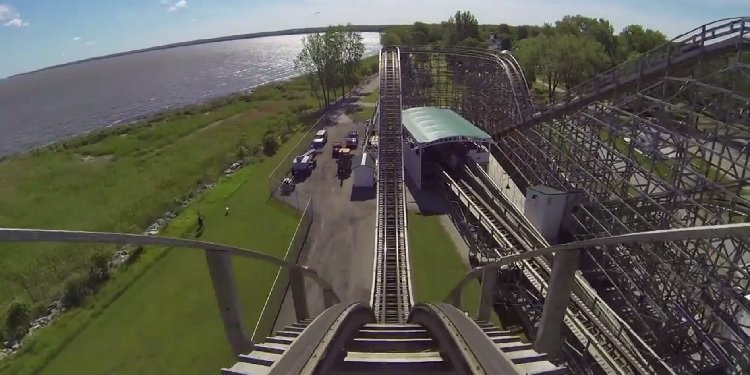 POV Video of the Zippin Pippin at Bay Beach!