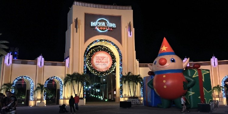 Experience the Holidays at Universal Orlando!